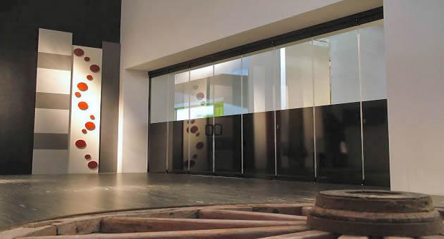 Le vetrate panoramiche pieghevoli tuttovetro giemme system - Verande mobili per balconi ...